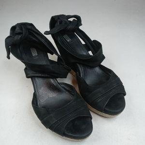 UGG Lucy Platform Wedge espadrille 1004279 Sandal